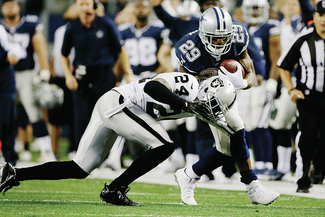 web1_Raiders-Cowboys-Footb_Lamb-1-