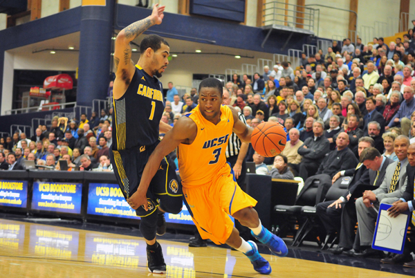 UCSB's junior guard Zalmico Harmon dished out 10 assists for the Gauchos on Friday night. (Presidio Sports Photos)